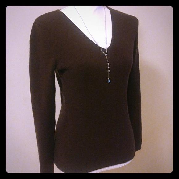 113a3f5718dcc6 Fenn Wright Manson Sweaters | Fwm Brown Vneck Sweater Sz M B9 | Poshmark
